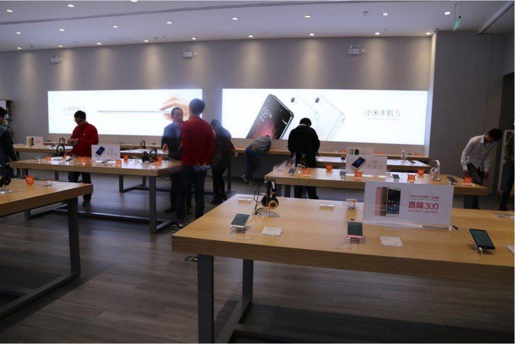 Na záver tu máme pohľad na Xiaomi obchod, v ktorom sa dejú tie slávne návaly počas predajov
