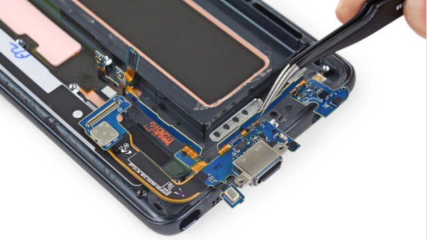 Samsung-Galaxy-Note7-Teardown-USB-charging-port-iFixit