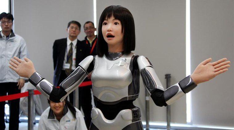 robot-staffed-hotel