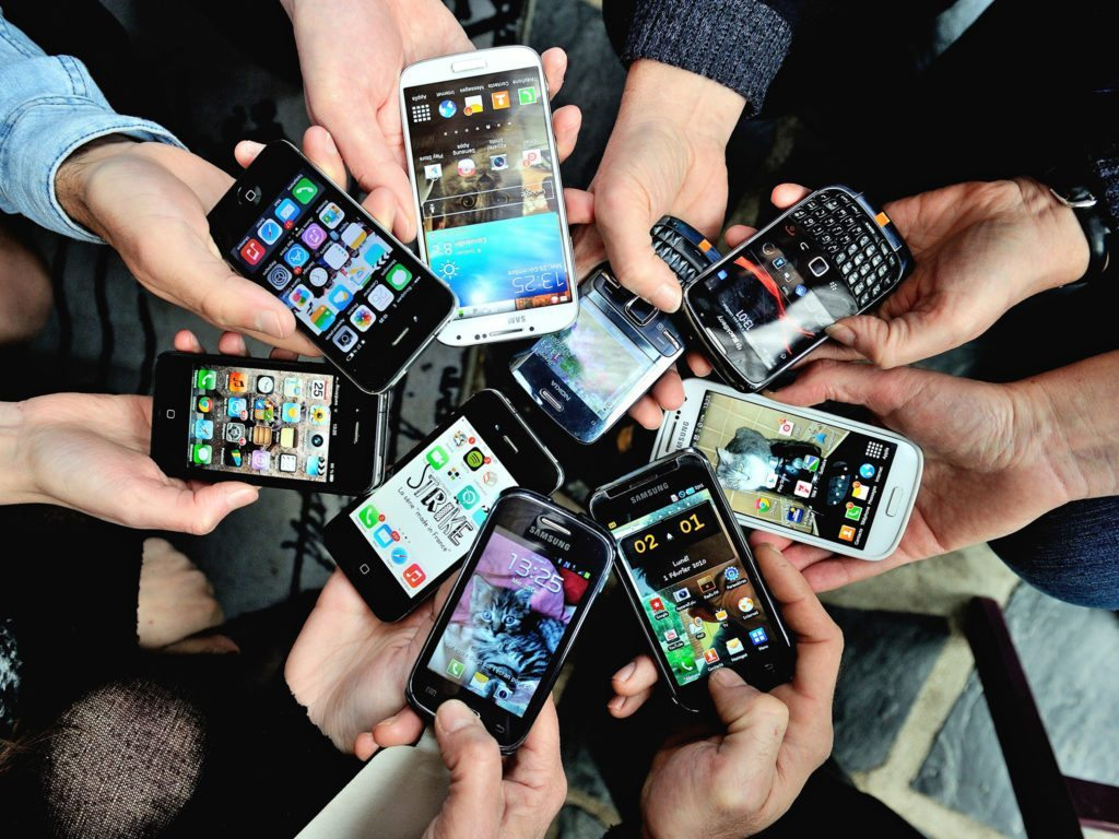 web-smartphones-1-getty