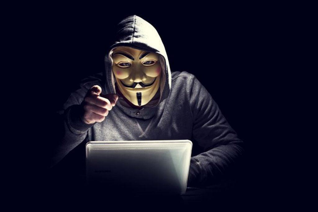 masivny-utok-hackerov-nahlad