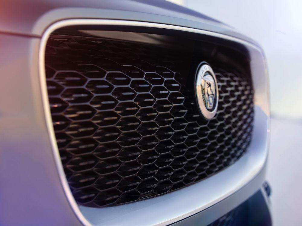 jaguar_i-pace_concept_studio_exterior_detail_12sm-0