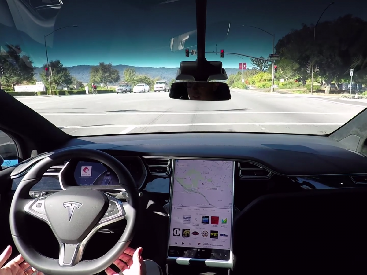 musk-is-also-advancing-teslas-position-in-self-driving-car-tech-going-into-2017