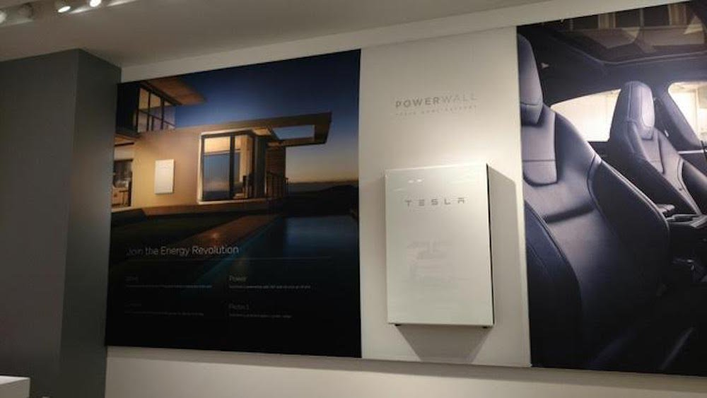 tesla-will-actually-sell-powerwall-2-in-its-retail-locations-showing-a-renewed-focus-on-showing-tesla-as-both-an-energy-and-car-business