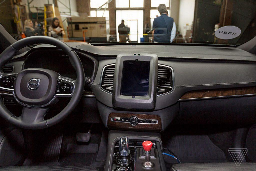 uber-autonomne-auto-foto-interier