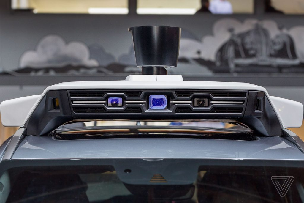 uber-autonomne-auto-foto-laserovy-senzor