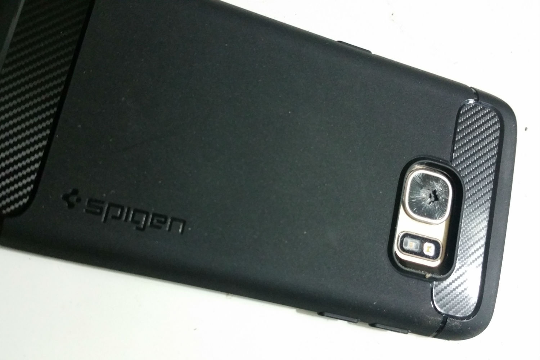 samsung-s7-edge-shattered-camera-glass