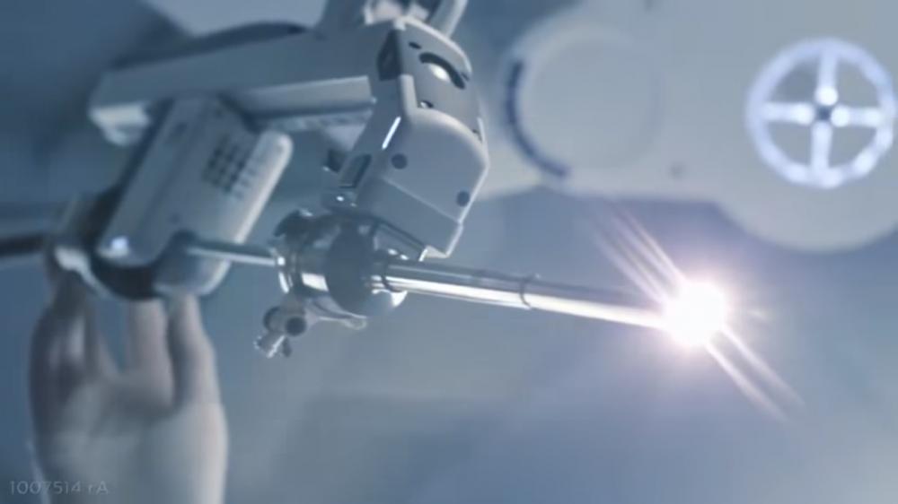Robot pri operácii