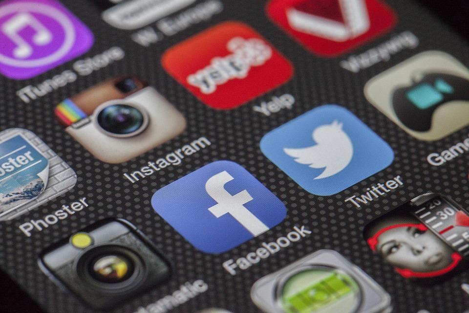 Facebook-aplikácia