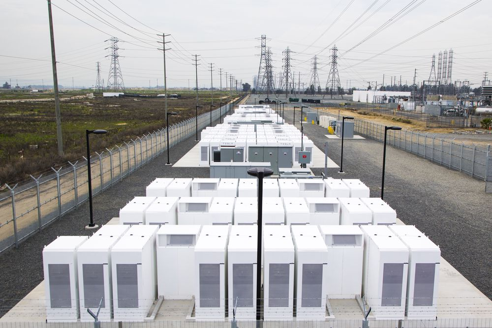 Tesla Power Pack v Ontariu, Kalifornia