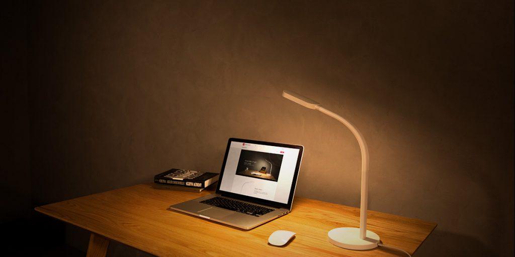 Yeelight stolná lampa