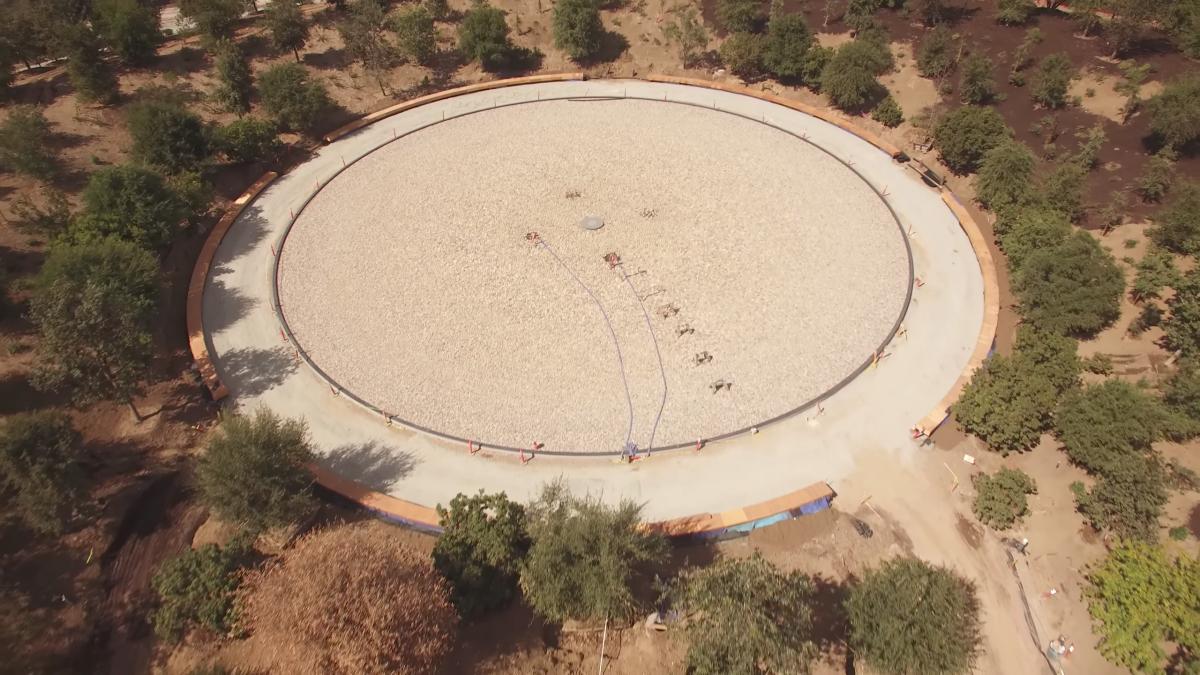 nedokončená fontáana Apple Parku