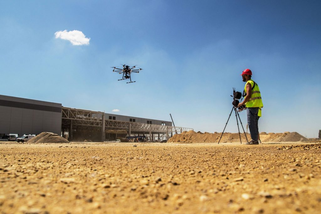 podmienky komerčného lietania s dronom