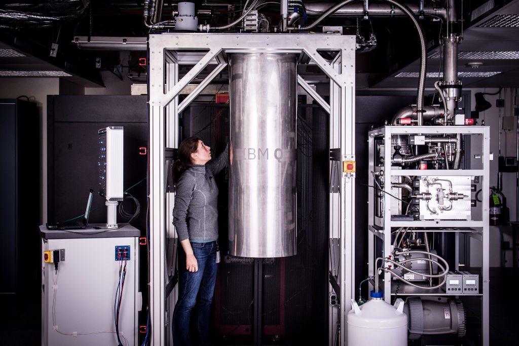IBM kvantový počítač