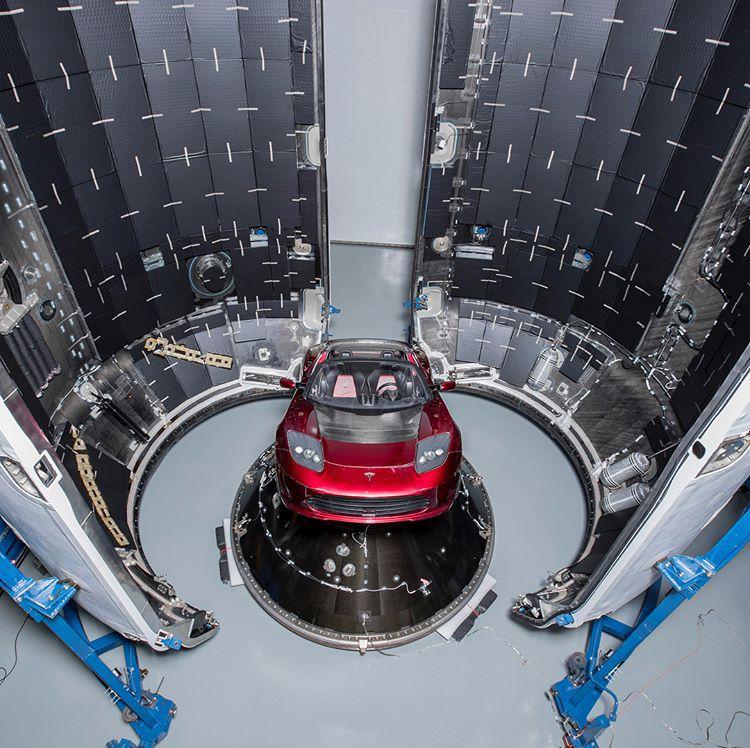 Falcon Heavy oficiálny štart