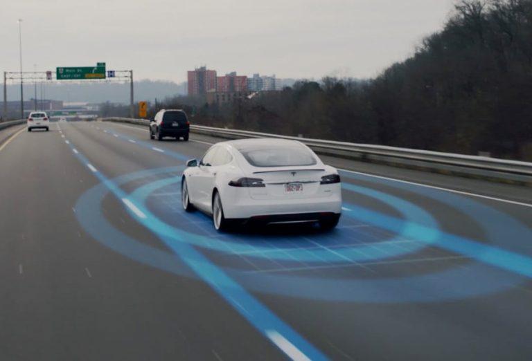 Tesla zdvojnásobuje počet testerov. 5. úroveň autonómneho riadenia má prísť ešte do konca 2021
