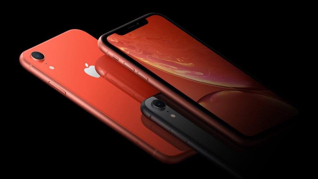 """Apple sa pripravuje na """"život po iPhone"""". Uberie sa úplne novým smerom 4a56e2f152f"""