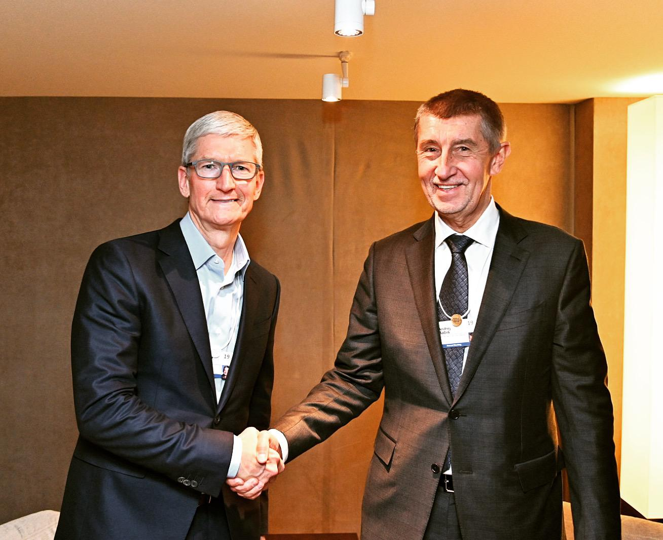 ... vyrásť prvý Apple Store v krajine. Zobraziť celú galériu (2). Andrej  Babiš Facebook 18440f1636f