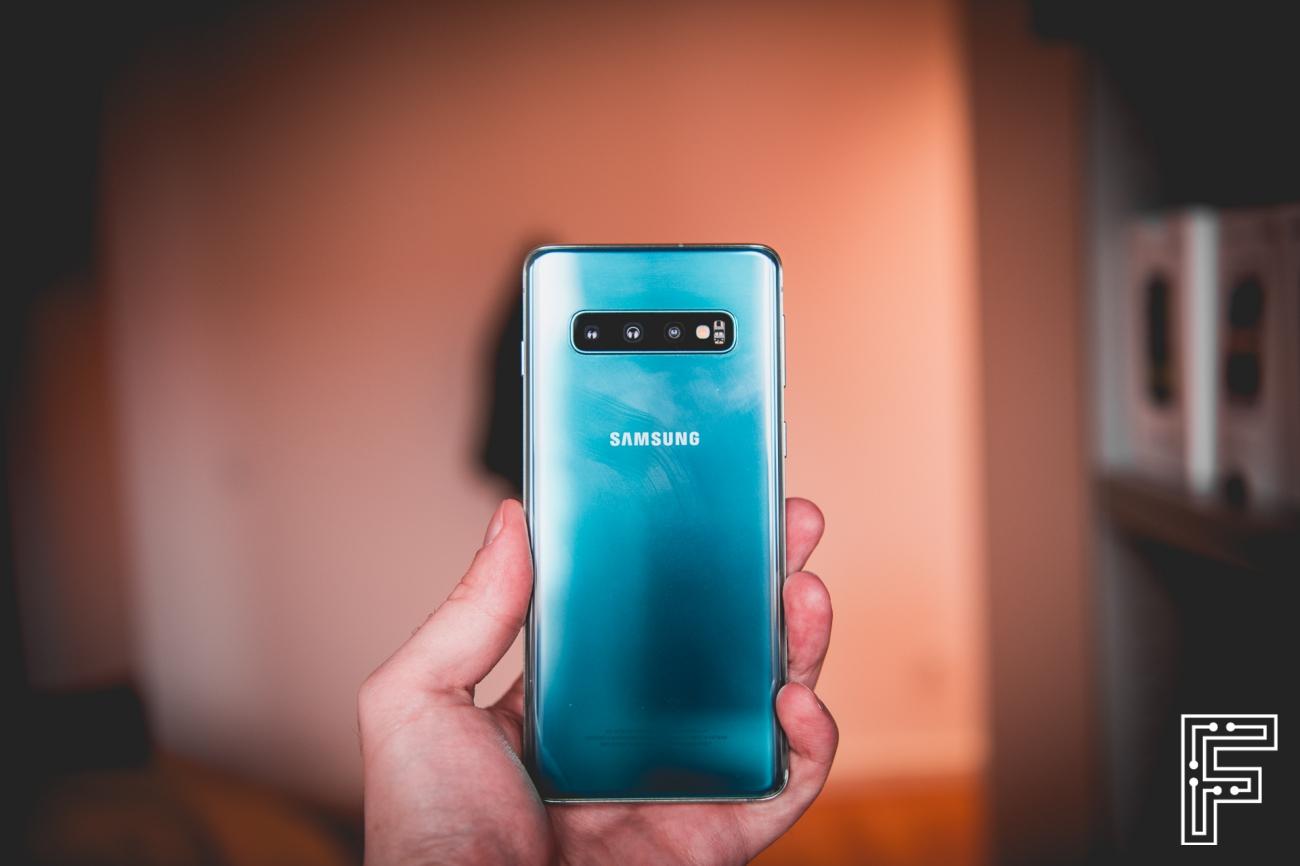 85becffc9 Ako Samsung vytvoril smartfón, ktorý preslávil prvok, o ktorom si každý  myslel, že je nepotrebný
