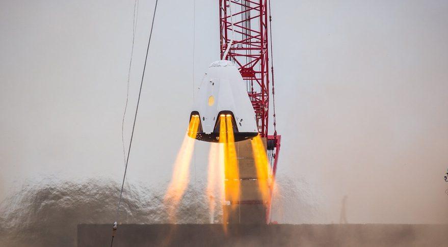 NASA sa vyjadrila na adresu SpaceX: Nedávny výbuch Crew Dragon výrazne posunul všetky plány
