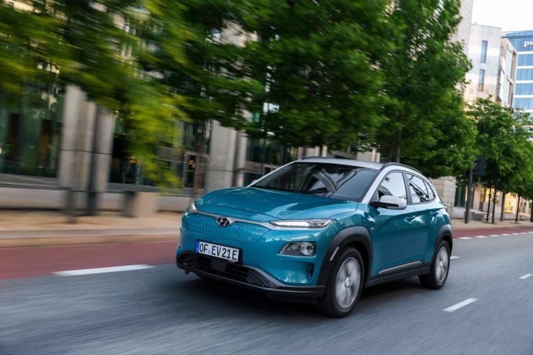 Hyundai zvoláva do servisu desiatky tisíc elektromobilov. Hrozí im riziko požiaru
