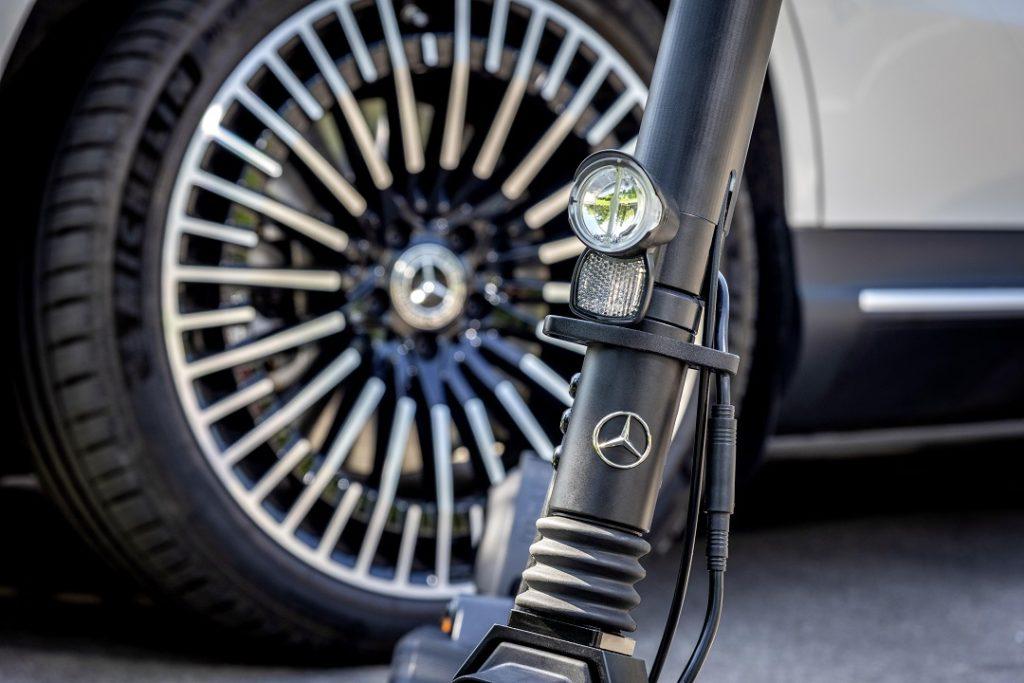 Mercedes-Benz má vlastnú elektrickú kolobežku