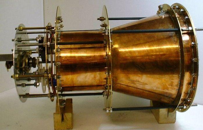 motor rýchlosť svetla