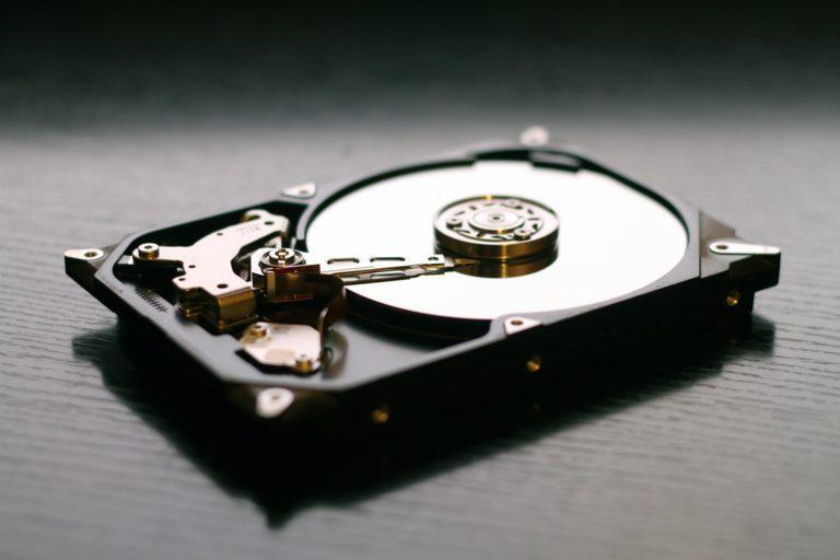 HDD vôbec neumierajú, ich budúcnosť je stále pred SSD. Známy výrobca chce až 100 TB disky