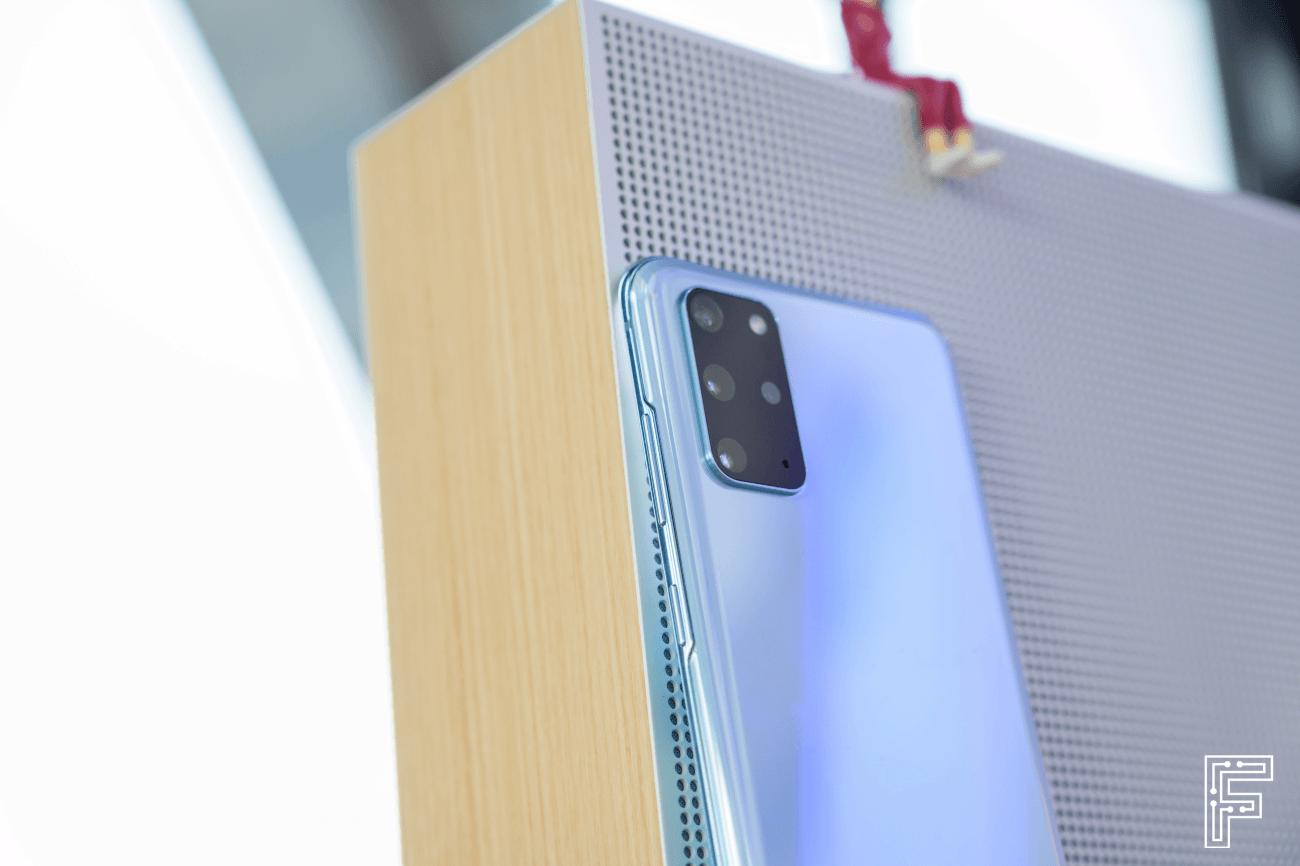 Samsung Galaxy S20 (foto: Dávid Igaz / fontech.sk)