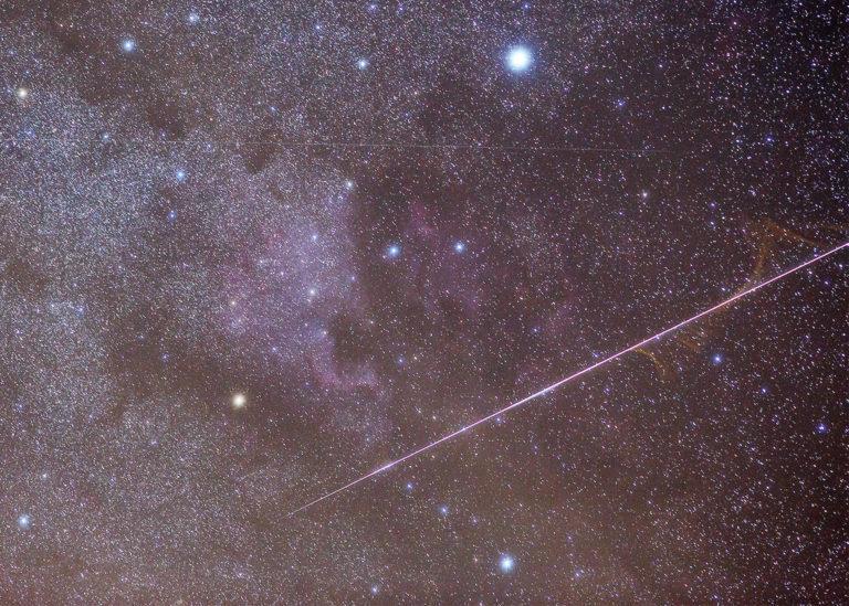 Nočnú oblohu zahltí o pár dní jedinečný meteorický roj. Kedy bude ideálny čas na pozorovanie a na čo si treba dať pozor?