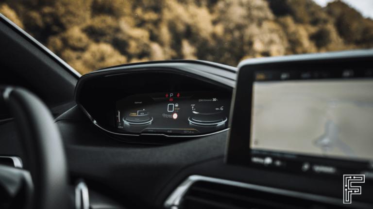 Ďalšia obeť polovodičovej krízy: Peugeot je nútený montovať zastaraný komponent do svojho slávneho modelu