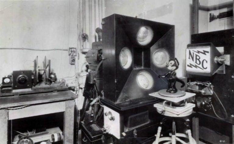 """Televízia dnes oslavuje 95 rokov. Kto bol jej """"otcom"""" a ako vlastne vznikla?"""