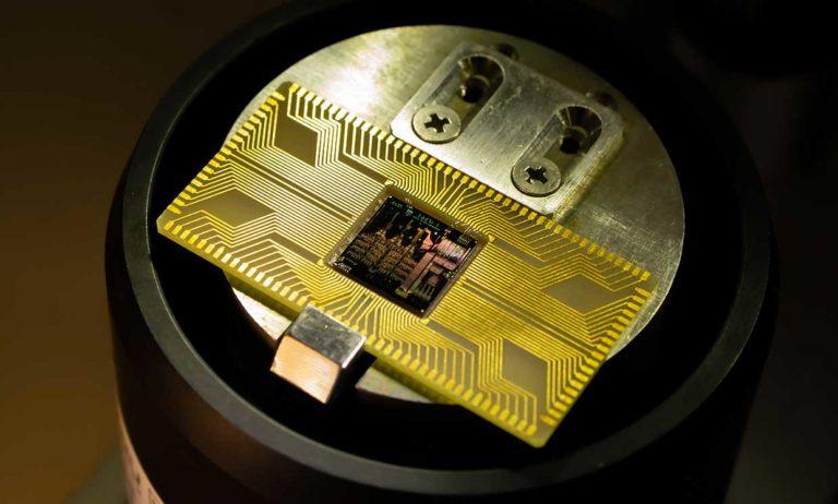 Prevratná technológia MANA: Nový prototyp je až 80-krát efektívnejší ako klasické polovodičové procesory