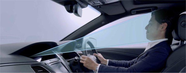 """Žiadna Tesla ani """"luxusný Nemec"""". Prvá automobilka posiela na cestu auto s 3. úrovňou autonómneho riadenia"""
