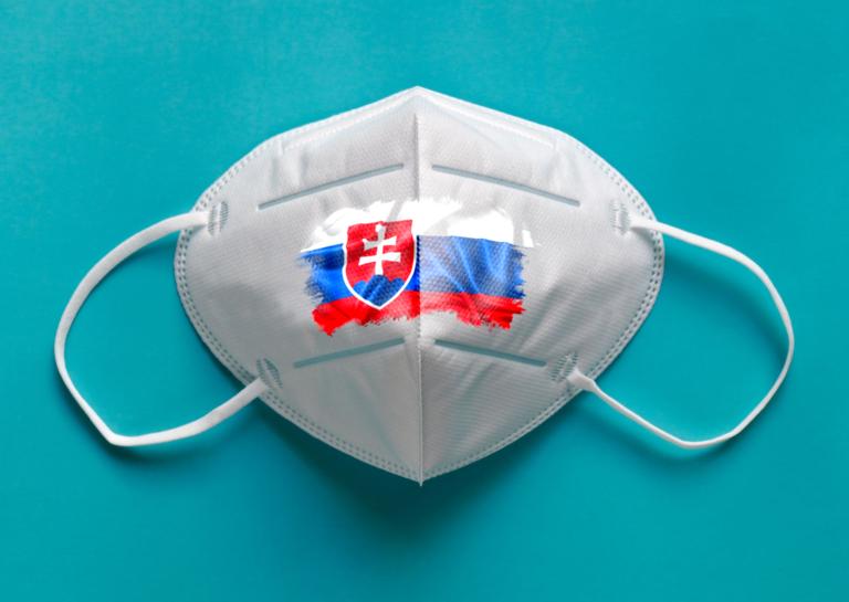 Respirátorové šialenstvo na Slovensku. Predaje v e-shopoch rastú o stovky percent, máme detailné štatistiky