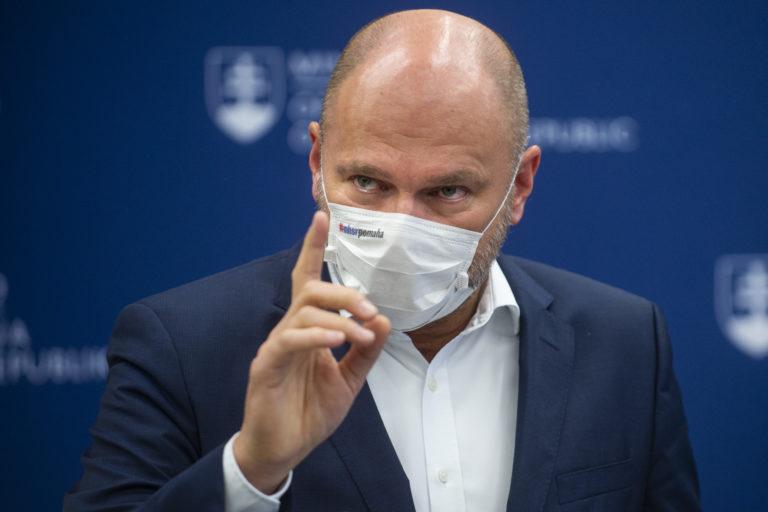 Overené, vyvrátené, uzavreté - tisíce Slovákov zdieľali na FB Sulíkov hoax. Tvrdil, že vakcíny zasahujú do ľudskej DNA