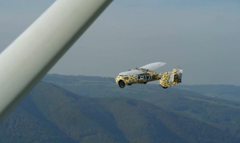 Slovenský AeroMobil vzlietol. Firma odhalila zábery z testov, predaj odštartuje o 2 roky