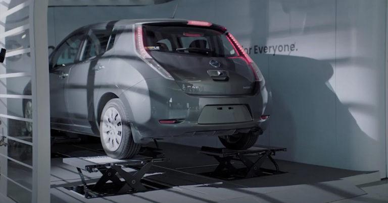 """Startup hlási, že vyriešil kritickú vlastnosť elektromobilov. Akýkoľvek model """"nabije"""" za pár minút"""