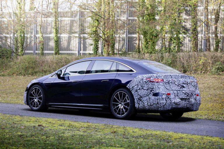 Elektrická trieda S konečne na ďalších fotografiách, Mercedes vytasí úplne nový dizajn