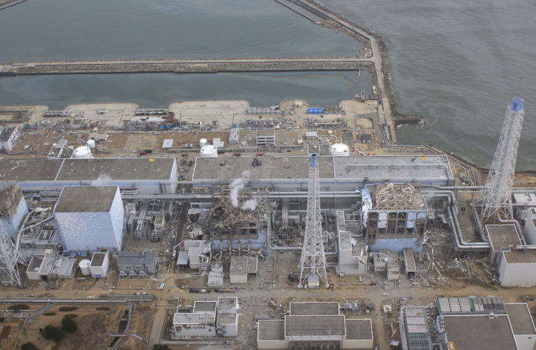 Aktivisti, rybári a okolité krajiny sa búria. Rozhodlo sa, že rádioaktívna voda z Fukušimi potečie priamo do oceánu