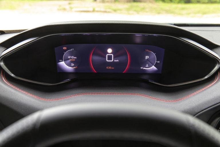 Ďalšia obeť polovodičovej krízy: Peugeot bude montovať zastaraný komponent do svojho známeho hatchbacku