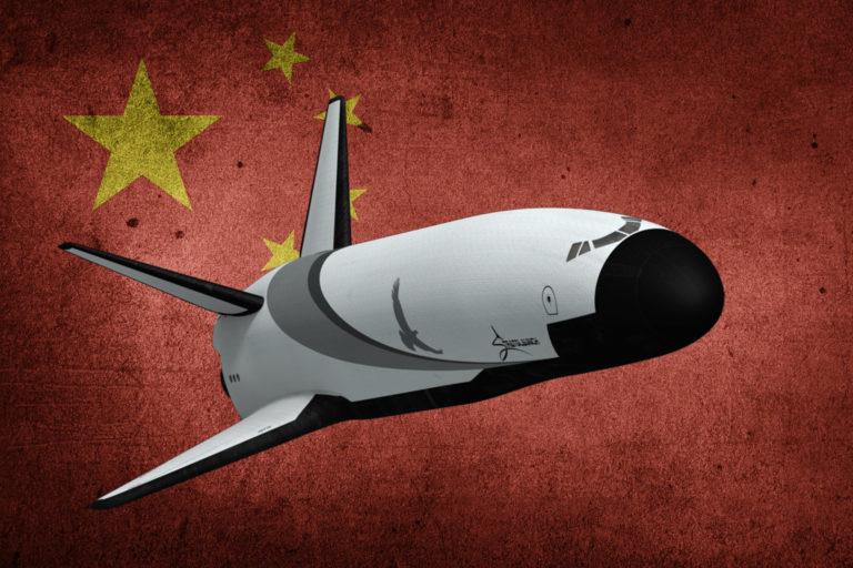 Čína buduje vesmírne zbrane a je najväčšou hrozbou sveta, varujú špióni USA