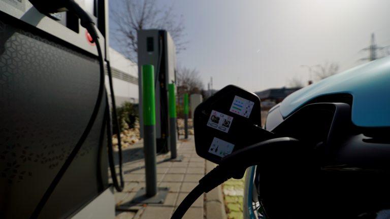 GreenWay zásadne mení cenník na Slovensku, nabíjanie bude neporovnateľne lacnejšie