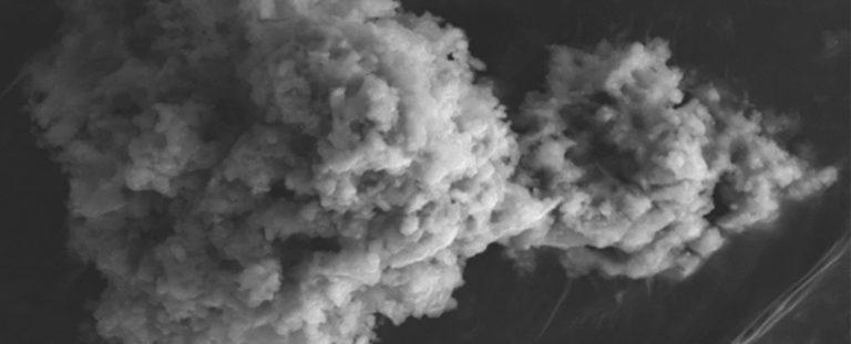 Poznáme presný objem, koľko ton vesmírneho prachu padne každoročne na Zem. Zmerať to trvalo 20 rokov