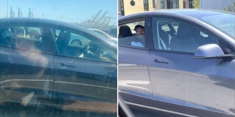 Tesla sa rútila po ceste bez vodiča, uškŕňal sa na zadnom sedadle