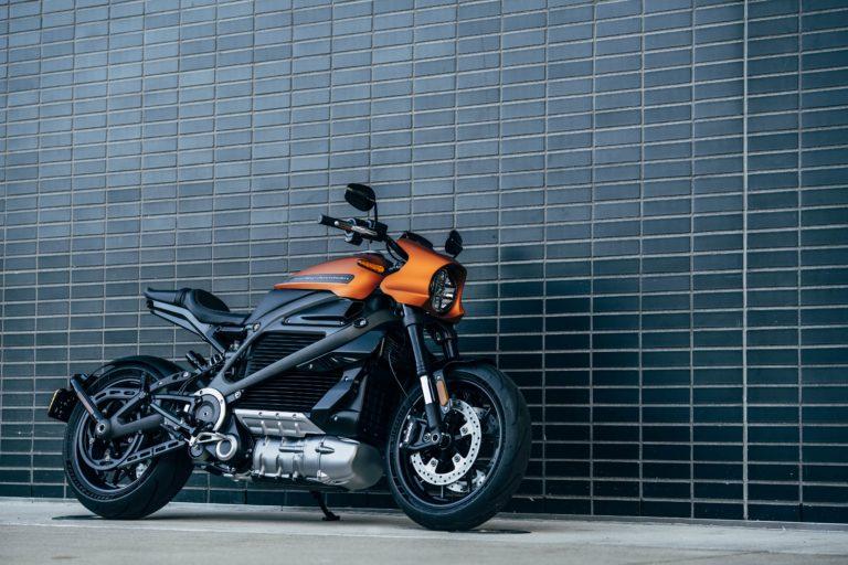Šéf legendárnej značky motocyklov: Elektrifikácia je nevyhnutná, vôbec sa jej nebojím
