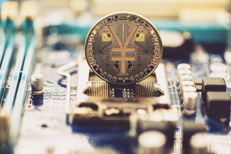 Čínsky paradox: Krajina zakazuje kryptomeny, vyvíja digitálny jüan a rozdáva ho zadarmo