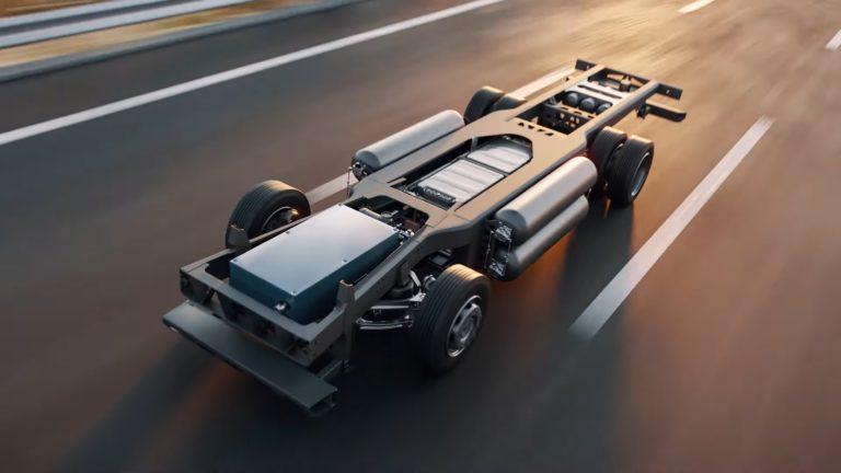 """Na cesty prichádza svetový unikát. Budúcnosť """"eko"""" kamiónov stojí na novej modulárnej platforme"""