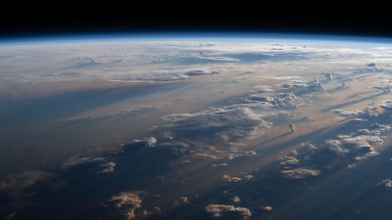 Nečakaná teória k vzniku života a kyslíka na našej planéte. Za všetko môže spomaľujúca rotácie Zeme