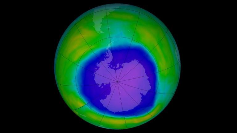 Ozónová diera je väčšia, než celá Antarktída. Rozmermi prekonala väčšinu predošlých